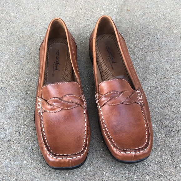 Naturalizer Shoes - Naturalizer tan leather loafers